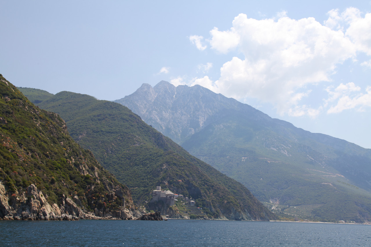 uec_gr_athos_mountain_with_dionysiou_monastery