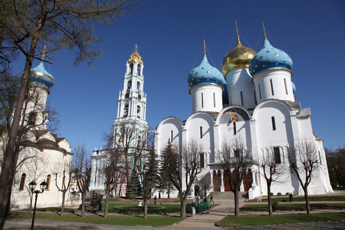 Church in honor of the Descent of the Holy Spirit then Belltower then Assumption Cathedral in Sergiev Posad