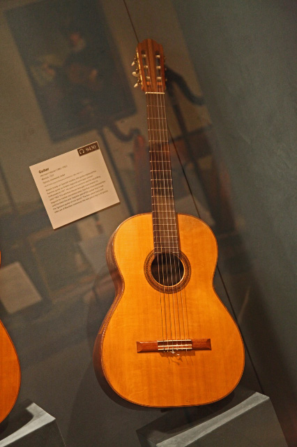 uec_usa_nyc_mma_guitar_h_hauser_played_by_a_segovia